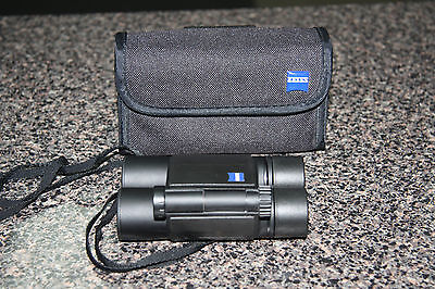 Zeiss 10 x 25B T* Compact Folding Binoculars with soft case
