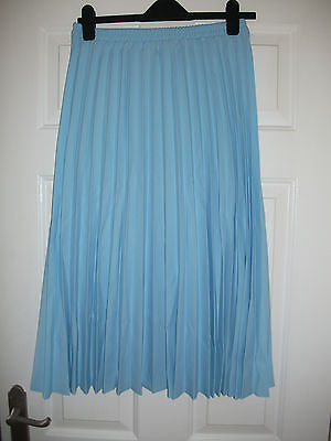ladies  pale blue  pleated skirt from Riddella size 14 NEW (398)