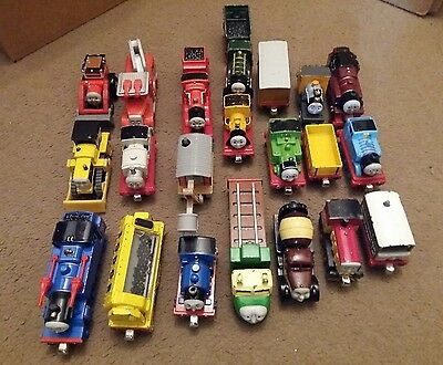Thomas The tank engine & Friends TAKE N AND PLAY ALONG 20 Train bundle play worn