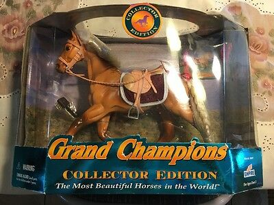 """Grand Champions Collector Edition 50049 Arabian 10"""" tall Horse Used Sample Set"""