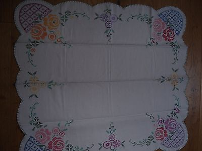 Vintage hand embroidered cotton table cloth VGC