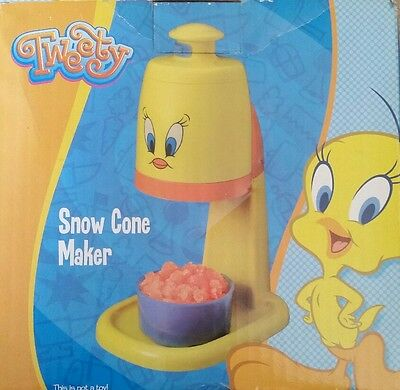Looney Tunes Tweety Bird electric snow cone maker model LT8SCT New Rare