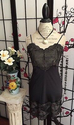 VTG Lucie Ann II Women 34 Bust Stretch Lycra Blend Blk Lace Chemise Gown