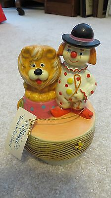 """Vintage Gorham Music Box Clown With Lion Plays """"Send in the Clowns"""""""