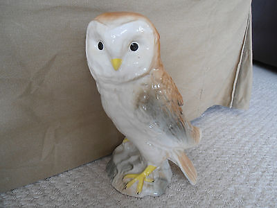 Large OWL figurine - unmarked - lovely gift for Brownie Leader perhaps ?