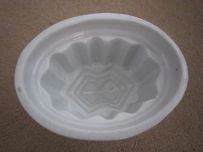 Vintage China Kitchen Mould : Small / Oval