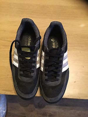 Mens Black Adidas Trainers Size 9 -Adidas