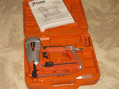 Paslode Pheumatic 16 Ga. Straight  Finish Nailer T250S-F16 + Mint