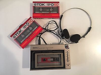 Vintage Walkman Tape Cassette  Player TATUNG AR3002 AM FM Radio Headphones