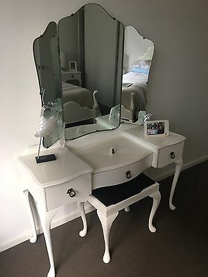 Queen Anne Single Bed X 2 Suite - White