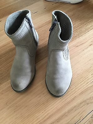 Girls Country Road Grey Ankle Boots. Sz 10US EUC