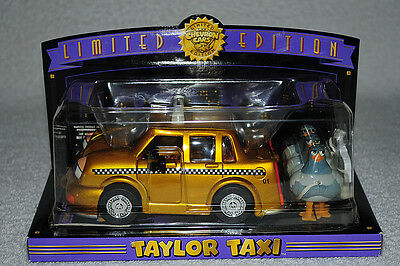 Chevron Cars Limited Edition Taylor Taxi With Walking Pigeons