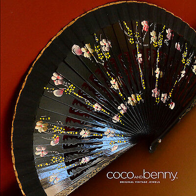 *Vintage 50's/60's Black Gloss Hand Painted Flowers Spanish Hand Fan