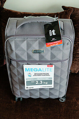 IT Luggage MegaLite Lightweight 4 Wheeled Suitcase in Grey - Free Delivery!