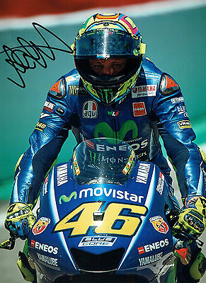 VALENTINO ROSSI Autograph 2017 SIGNED 16x12 Yamaha Photo H AFTAL COA The Doctor