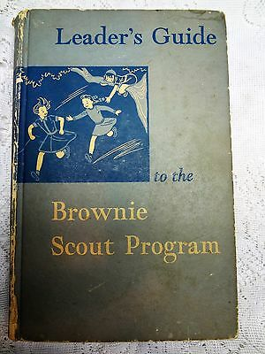 Leaders Guide Brownie Scout Program 1950 Green Hardcover Vintage Book Usa