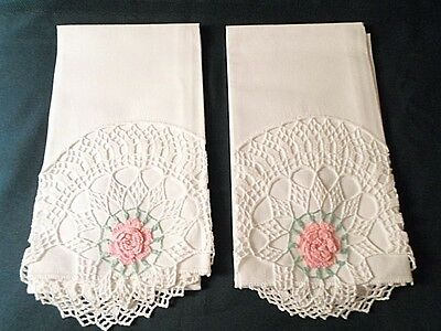 """VTG Cotton Pillowcases ~ Beautifully Crocheted PINK ROSE on WHITE 20"""" x 35"""""""