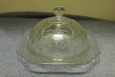 1980's Federal/Indiana Recollections~Madrid~Clear Glass Covered Desert Dish~Nice