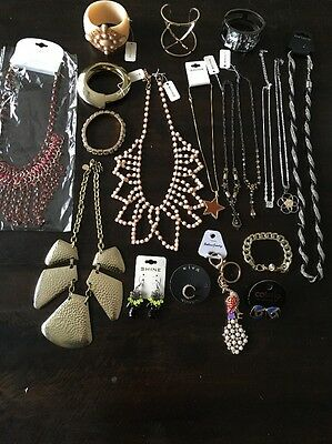 Bulk Lot Of Bling Costume Jewelery Bangles, Necklaces, Earrings And More!!