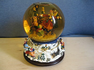 Musical Christmas Snow Globe/Tune: Have Yourself a Merry Little Christmas