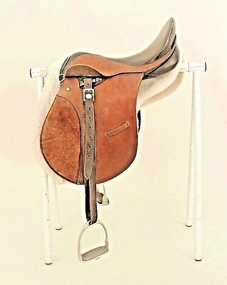 English Country Style Leather Riding Saddle with a Sheepskin Blanket