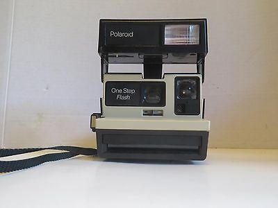 Polaroid One Step Flash Vintage Instant Camera 600 Film with strap