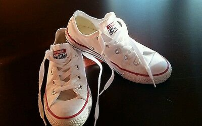 Converse Chuck Taylor All Star White Low Top Kids Youth Boy Girl Sz 1 EUC shoes