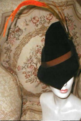 1930s PARIS Felt ROBIN HOOD Slouch HAT w Feather Bird, Lucienne BERTRAND France