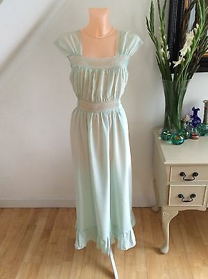 Vintage 1950s Nightgown Robe Unworn Negligee Chantilly Lace Fluid Bombshell