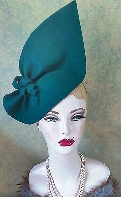 Vintage style1940s inspired Forest green sculptured felt hat Can Be Worn 2 Ways