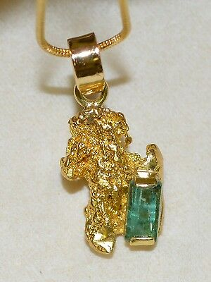 GOLD NUGGET PENDANT with NATURAL W.A. AUSTRALIAN EMERALD 1.130 ct and 18ct BALE