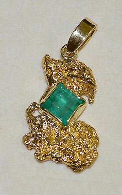 GOLD NUGGET PENDANT with NATURAL W.A. AUSTRALIAN EMERALD 3.56 ct and 18ct BALE