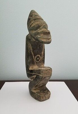 Pre-Columbian Artifact, Ceremonial Idol with a center rare circle