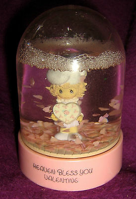 1989 PRECIOUS MOMENTS Water Snow Globe HEAVEN BLESS YOU VALENTINE for Hearts Day
