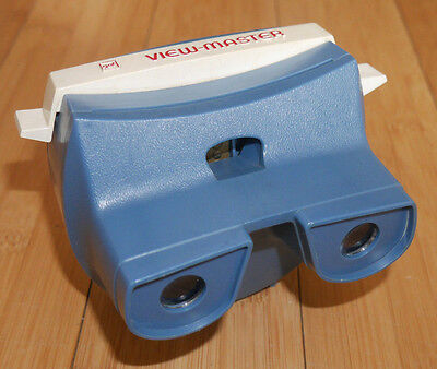Gaf Viewmaster Lighted Viewer Model H Blue Very Rare & Working   (467)