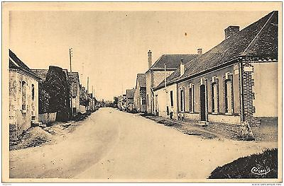 10-Estissac-Rue Costel Laurent-N°R2040-G/0155