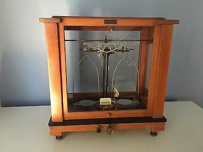 Antique Christian becker apotheker's scale