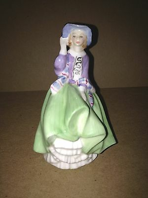 Vintage Retired Royal Doulton Porcelain Figurine Statue HN 2126 TOP O' THE HILL