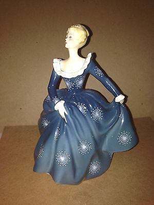 Vintage Retired Royal Doulton Porcelain Figurine Statue HN 2334  FRAGRANCE