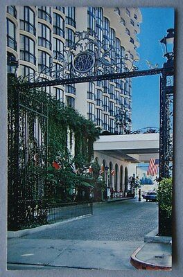 Beverly Wilshire Hotel Calif. El Camineo Real - Private driveway Postcard (P227)