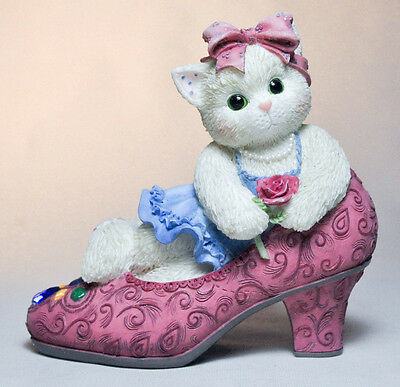 Calico Kittens: It's Not Easy To Fill Your Shoes - 314501 - Kitten in Pump