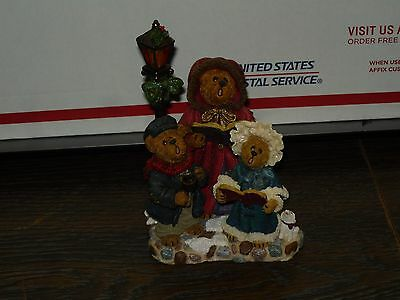 Boyds Bears Collectible Victoria Anne Stuart Abigail lights up, Christmas Statue