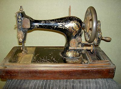 1902 Singer sewing Machine R-1 to R-704.424  Its number is R-231-534