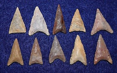 10 nice Sahara Neolithic triangular projectile points