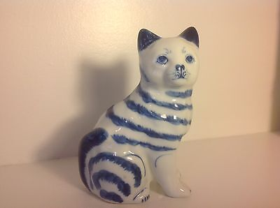 Blue & White Porcelain CAT/KITTEN - So Cute!