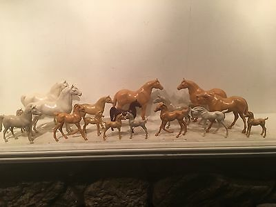 """Lot Of 17 Vintage Hartland Plastic Horses Largests 7.5"""" Long Different Colored"""