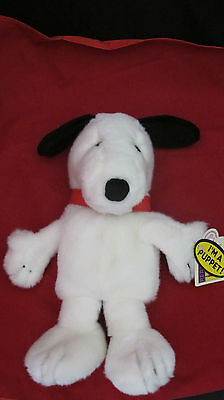 """Peanuts Applause Snoopy  Puppet 14"""" Tall"""