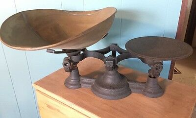 Antique General Store Scale With Weights