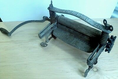 Nice American Wringer Co Hand Crank Wringer No. 330  Rare Version steam punk