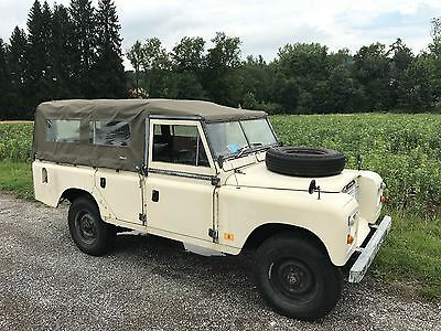 Land Rover 109 Serie II Station Wagon Soft Top